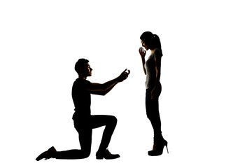 man propose to his girlfriend
