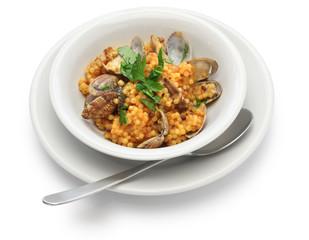 sardinian pasta with clams, italian cuisine, fregula con vongole, fregola con arselle