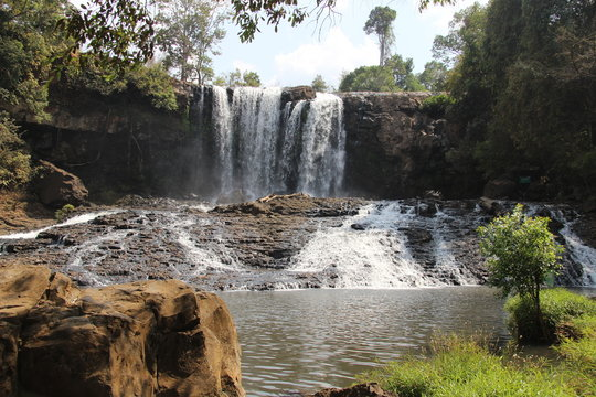Bou Sra Waterfall – Die Busra-Wasserfälle in Mondulkiri, Kambodscha