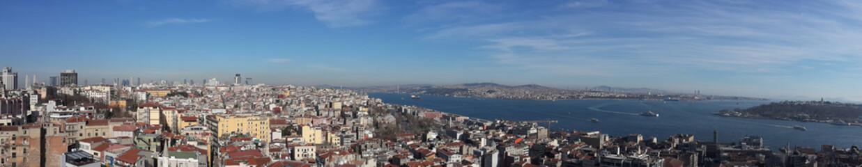 İstanbul şehrinin Galata Kulesinden panoramik görüntüsü gezisi seyahat deniz gökyüzü ve İstanbul panoraması fotoğraf