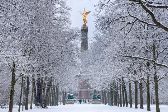 Siegessäule Berlin im Winterkleid