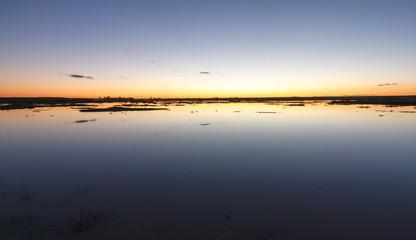 Laguna de las Salinas al atardecer. Reserva Natural de Las Lagunas de Villafáfila, Zamora.