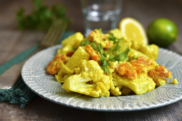 Vegetable curry with cauliflower in a cream.