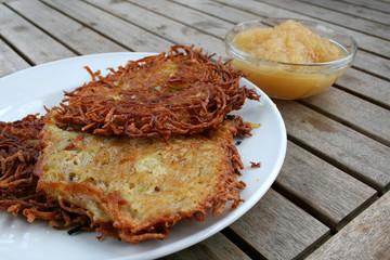 organisch lifestyle kartoffelpuffer reibekuchen rösti apfelmus modern urbano shabby chic