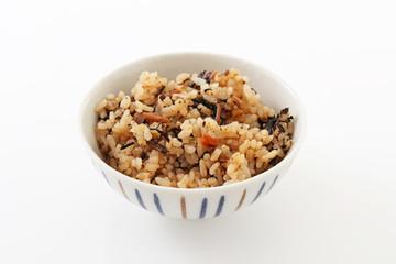 沖縄料理の炊き込みご飯