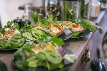 Catering / Belegte Brote mit Käse, Gemüse und Spinat