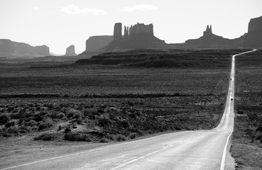 Road US 163 in Monument Valley Park, Utah, USA