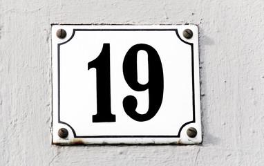 Hausnummer Neunzehn
