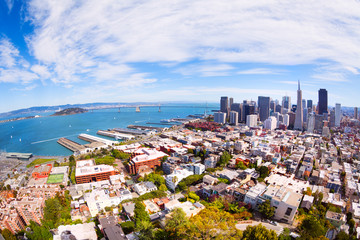 Fototapete - View of the piers and San Francisco downtown