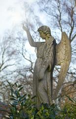 Engelfigur aus Sandstein
