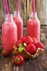 strawberry smoothie in a bottle