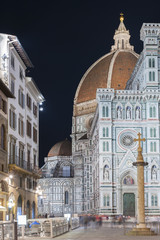 Fototapete - Dome of the Basilica of Santa Maria del Fiore (Basilica of Saint Mary of the Flower) in Florence, Italy