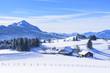 herrlich verschneite Allgäuer Landschaft