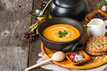 bowl of homemade creamy pumpkin soup