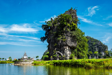 Fotomurales - Tam Coc tourist destination in Vietnam
