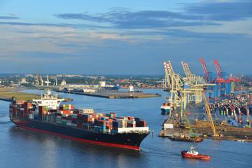 Hamburger Hafen, Containerschiff, Container, Schlepper, Vorhafen, Elbe, Hamburg