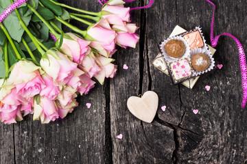 Rosen und Pralinen zum Valentinstag