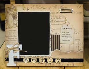 Decorative photo frame for family photos