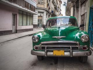 Foto op Plexiglas Cubaanse oldtimers Old car in Havana