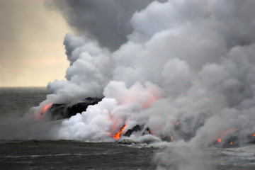 Obraz Lava flowing into the ocean - fototapety do salonu