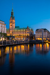Hamburg Rathaus Nachtaufnahme