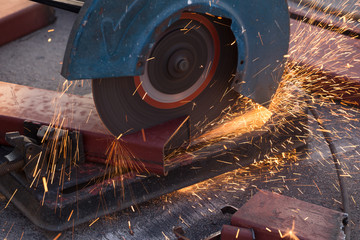 Cutting Steel channel (steel C chanel) with grinder