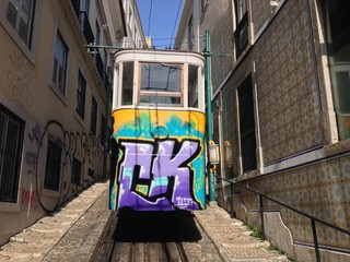 Elevador do Lavra - Tram in Lissabon, Portugal