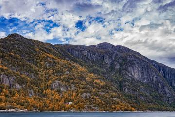 Berge in Norwegen im Herbst