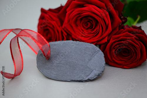 rote rosen stockfotos und lizenzfreie bilder auf bild 101557318. Black Bedroom Furniture Sets. Home Design Ideas