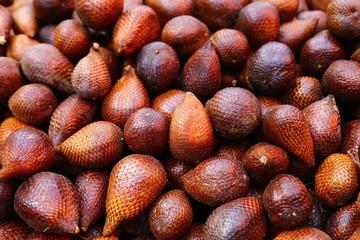 Frucht der Salakpalme (Salacca zalacca)