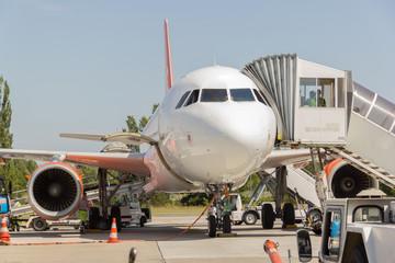 Flugzeug am Boden