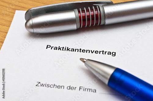 Praktikantenvertrag Stockfotos Und Lizenzfreie Bilder Auf Fotolia