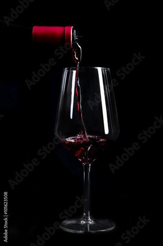 Calice Di Vino Rosso Con Sfondo Nero Stock Photo And Royalty Free