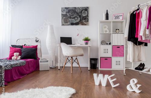 Punk girl room design photo libre de droits sur la for Zimmer jugendlich