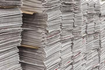 Newspaper stacks in multiples horizontal