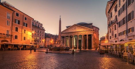 Wall Mural - Rome, Italy: The Pantheon in the sunrise