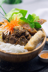 Reisnudel Schüssel, Da Nang, Frühlingsrolle, Vietnamesisch, Südost Asien Kulinarisch