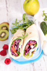 lunch time with wraps and fruits