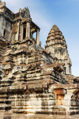 Fototapete - Upper gallery at main Temple Mountain of Angkor Wat, Cambodia