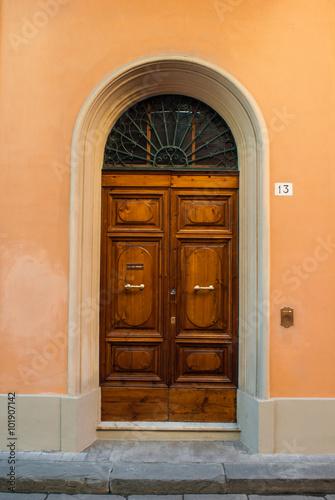 Portone di legno verde, ingresso palazzo Immagini e Fotografie ...