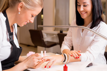 Aluminium Prints Manicure Happy women doing manicure