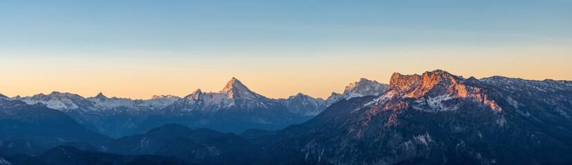 Sonnenaufgang in den Alpen mit Watzmann Wall mural