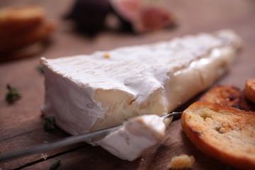 Brie schneiden