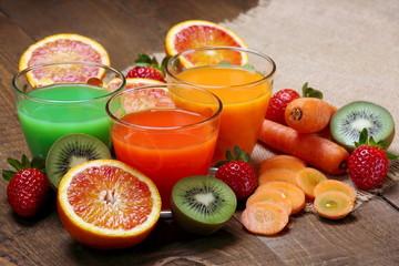 Succo di arancia , carota e kiwi