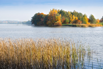 Obraz Lake Elk in autumn. Masuria, Elk, Poland. - fototapety do salonu