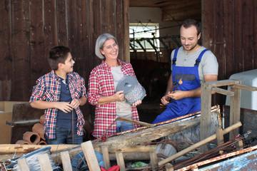 Familienleben auf dem Bauernhof