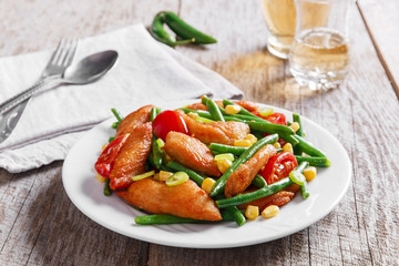 chicken with green beans and tomato corn