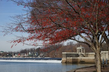 View of the Fairmont Water Works and boathouse row from the pedestrian walkway.