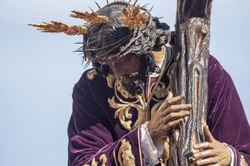Jesús con la cruz, semana santa de Sevilla, hermandad de San Roque