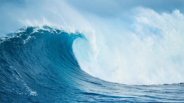 Powerful Ocean Wave